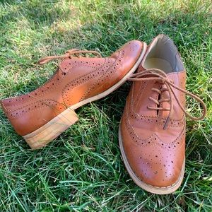 Vintage Tan Leather Oxfords